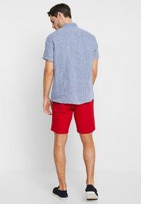 Tommy Hilfiger - BROOKLYN - Shorts - red - 2