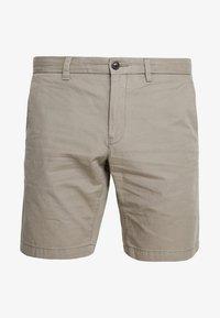 Tommy Hilfiger - BROOKLYN - Shorts - brown - 4
