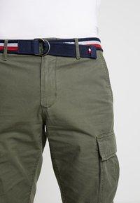Tommy Hilfiger - JOHN BELT - Shorts - green - 3