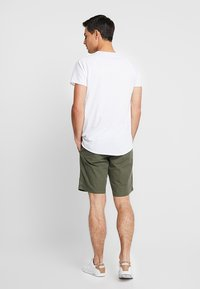 Tommy Hilfiger - BROOKLYN LIGHT BELT - Shorts - green - 2