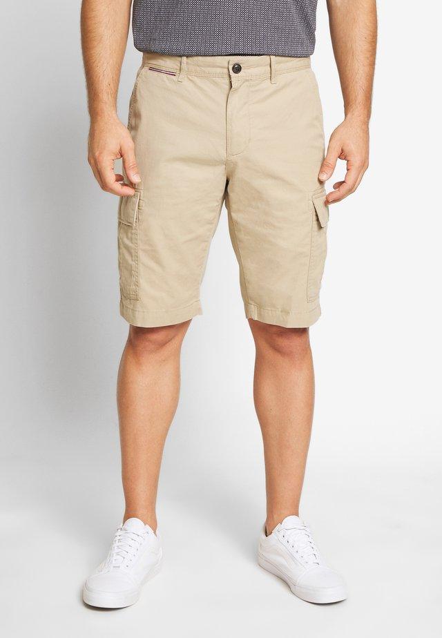 JOHN  - Pantalones cargo - beige