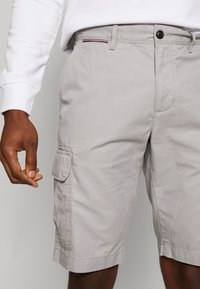 Tommy Hilfiger - JOHN  - Cargo trousers - grey - 4