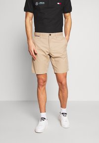 Tommy Hilfiger - BROOKLYN SHORT LIGHT TWILL - Shorts - beige - 0