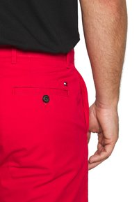 Tommy Hilfiger - BROOKLYN SHORT LIGHT TWILL - Shorts - red - 3