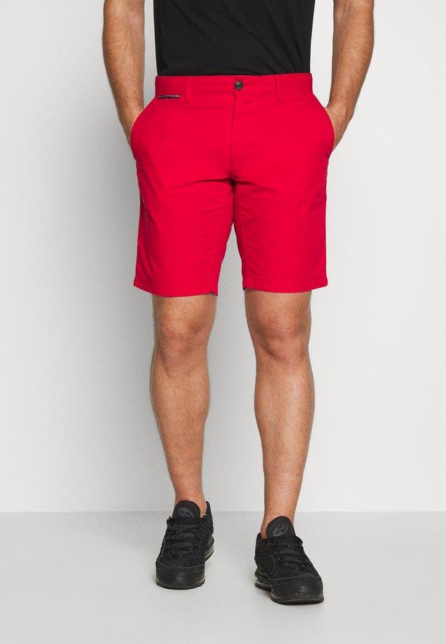 BROOKLYN SHORT LIGHT TWILL - Shorts - red