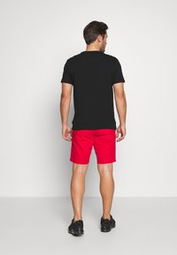 Tommy Hilfiger - BROOKLYN SHORT LIGHT TWILL - Shorts - red - 2