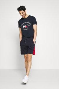 Tommy Hilfiger - INTARSIA - Shorts - blue - 1