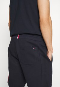 Tommy Hilfiger - INTARSIA - Shorts - blue - 4
