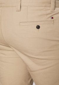 Tommy Hilfiger - BROOKLYN LIGHT  - Kraťasy - beige - 3