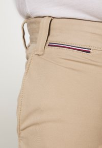 Tommy Hilfiger - BROOKLYN LIGHT  - Kraťasy - beige - 5