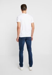 Tommy Hilfiger - LAYTON PORT - Jeans slim fit - blue denim - 2