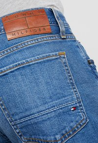 Tommy Hilfiger - BLEECKER AIKEN - Jean slim - denim - 5