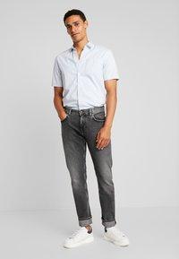 Tommy Hilfiger - STRAIGHT DENTON ARGO - Jeans a sigaretta - black - 1