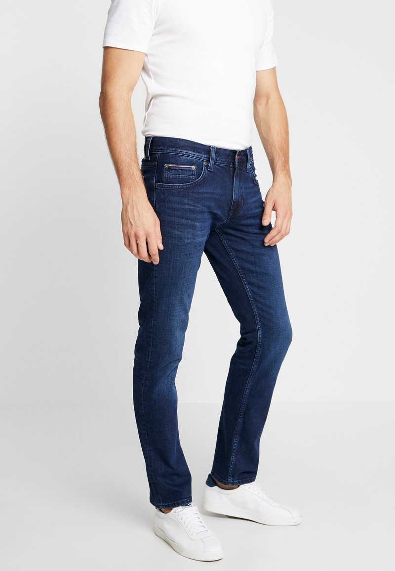 Tommy Hilfiger - DENTON BRIDGER - Straight leg jeans - denim