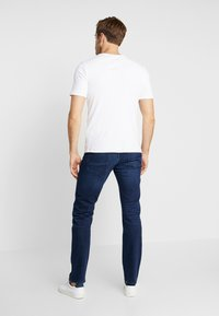 Tommy Hilfiger - DENTON BRIDGER - Straight leg jeans - denim - 2