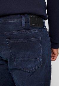 Tommy Hilfiger - MADISON BURKE  - Straight leg jeans - dark-blue denim - 3