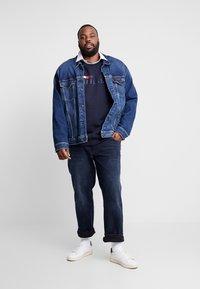Tommy Hilfiger - MADISON BURKE  - Straight leg jeans - dark-blue denim - 1