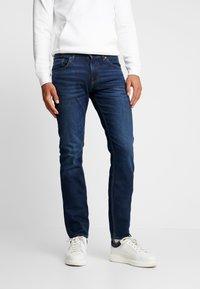 Tommy Hilfiger - SLIM BLEECKER  - Jeans slim fit - dark blue denim - 0