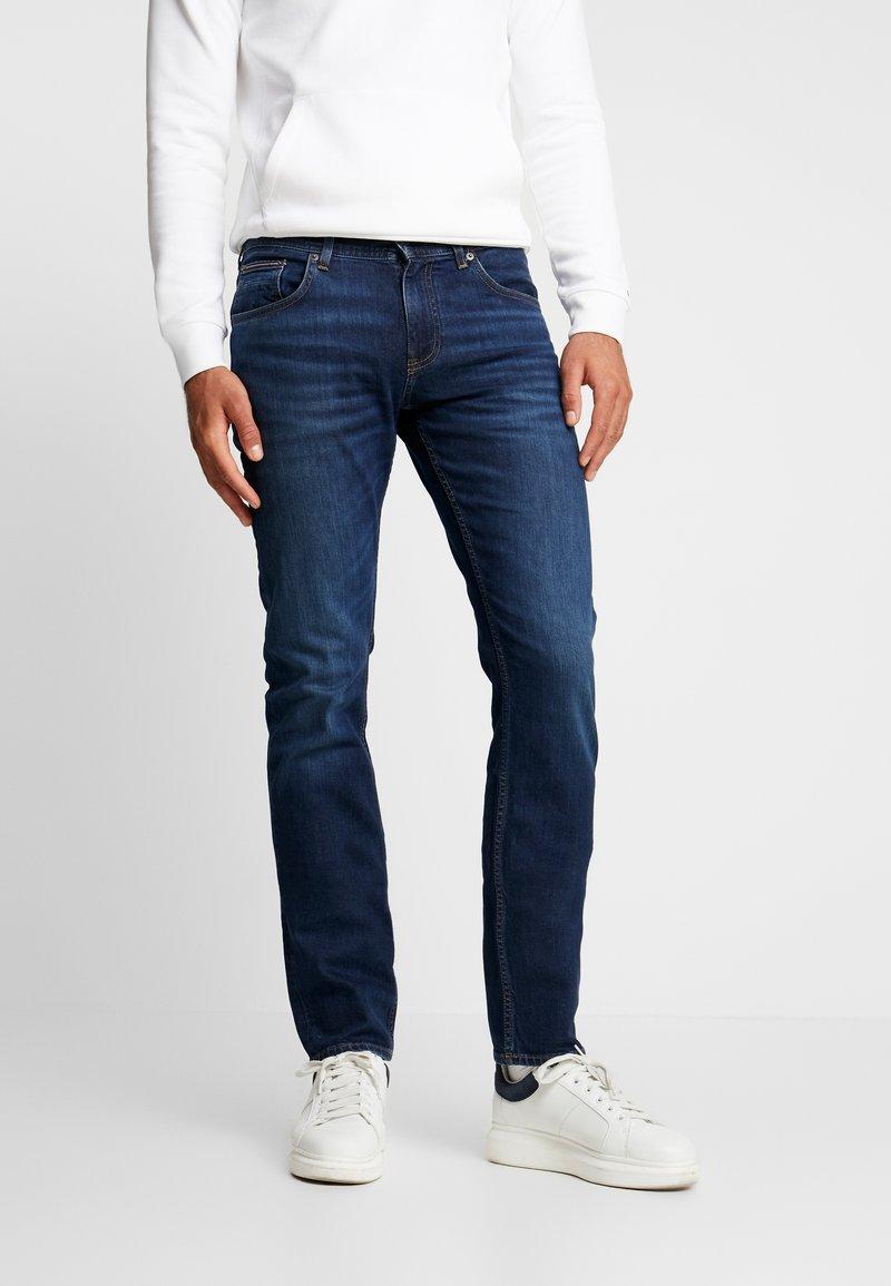 Tommy Hilfiger - SLIM BLEECKER  - Jeans slim fit - dark blue denim