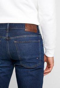 Tommy Hilfiger - SLIM BLEECKER  - Jeans slim fit - dark blue denim - 5