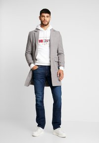 Tommy Hilfiger - MERCER BOWIE - Džíny Straight Fit - denim - 1