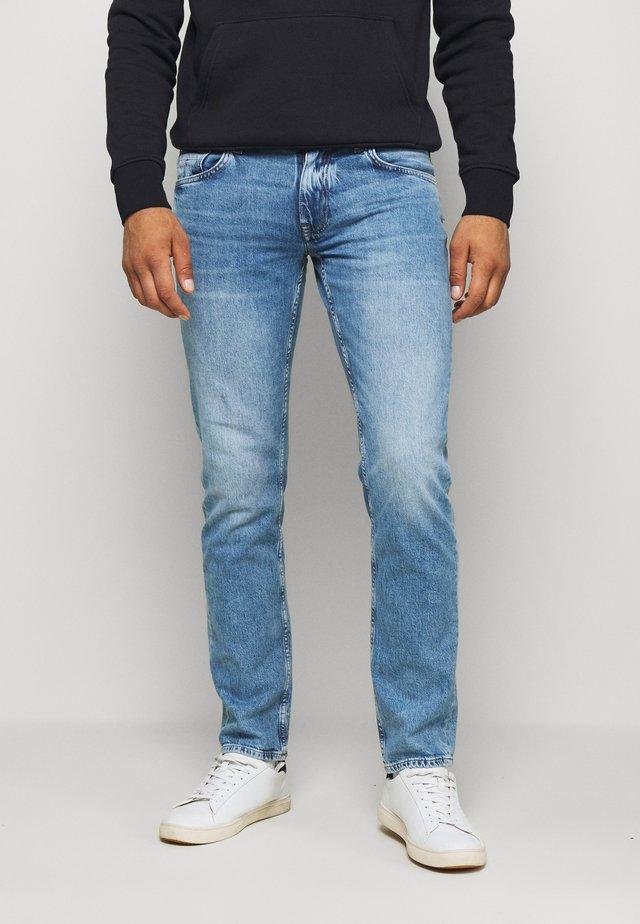 STRAIGHT DENTON  - Jeans Straight Leg - denim