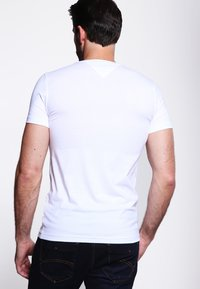 Tommy Hilfiger - NEW STRETCH TEE C-NECK - T-shirts basic - classic white