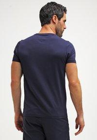 Tommy Hilfiger - NEW STRETCH TEE C-NECK - T-Shirt basic - navy blazer - 2