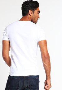Tommy Hilfiger - T-shirts - classic white - 2