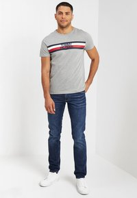 Tommy Hilfiger - LOGO TEE - T-shirt con stampa - grey - 1