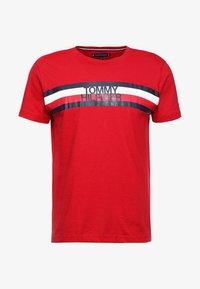 Tommy Hilfiger - LOGO TEE - T-Shirt print - red - 3