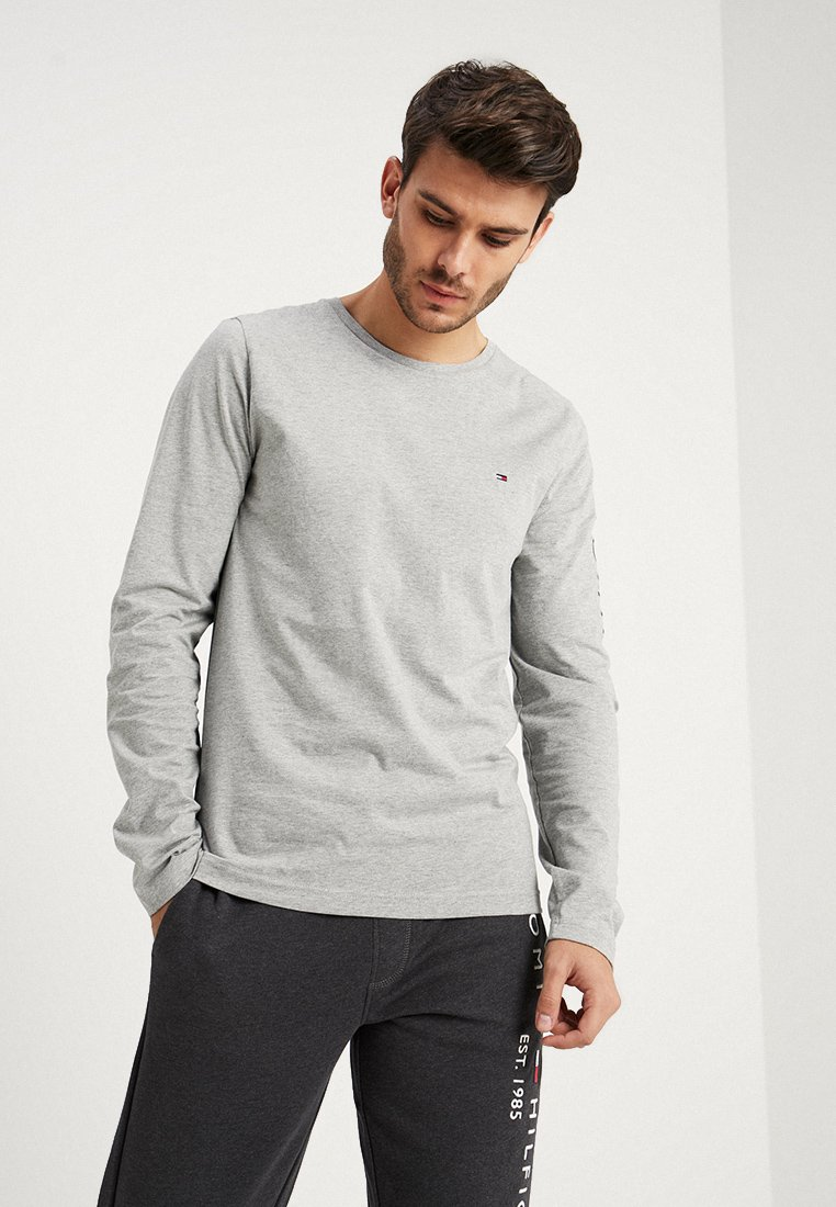 Tommy Hilfiger - LOGO LONG SLEEVE TEE - Camiseta de manga larga - grey