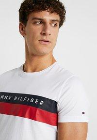 Tommy Hilfiger - LOGO BAND TEE - Print T-shirt - white - 4