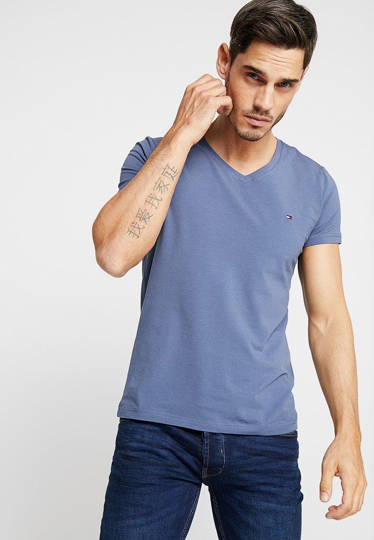 Tommy Hilfiger - STRETCH SLIM FIT VNECK TEE - T-Shirt basic - blue