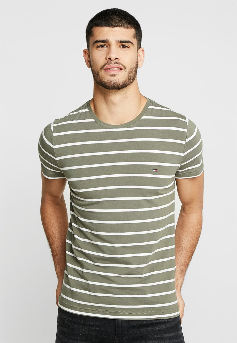 Tommy Hilfiger - SLIM FIT TEE - T-shirt z nadrukiem - green