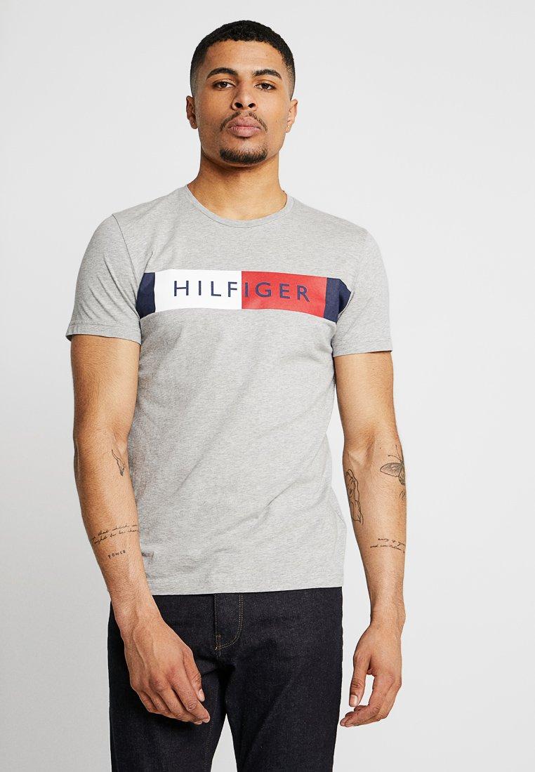 Tommy Hilfiger - STRIPE TEE - T-Shirt print - grey
