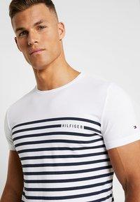 Tommy Hilfiger - BRETON TEE - T-shirt print - white - 4
