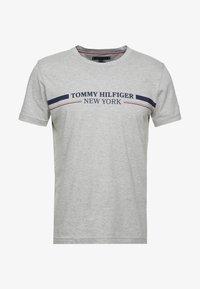 Tommy Hilfiger - YACHT STRIPE TEE - Printtipaita - grey - 3