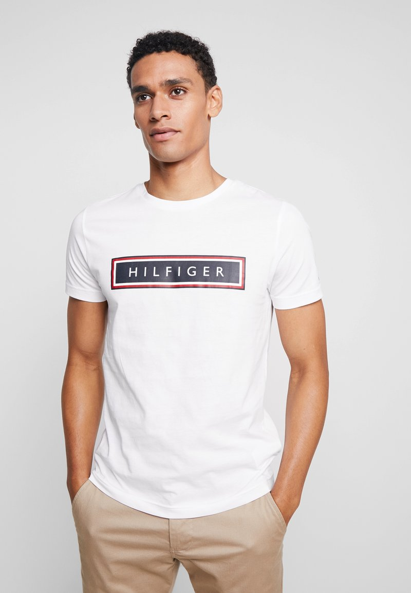 Tommy Hilfiger - CORP FRAME TEE - T-shirts print - white