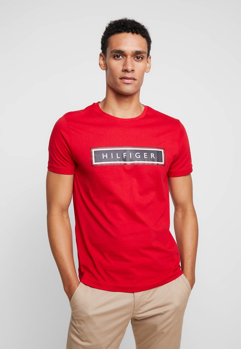 Tommy Hilfiger - CORP FRAME TEE - T-shirt con stampa - red