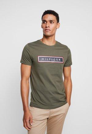 CORP FRAME TEE - T-shirt imprimé - green
