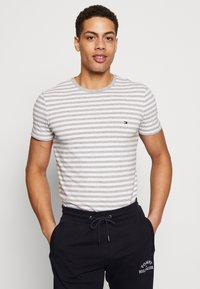Tommy Hilfiger - STRETCH SLIM FIT TEE - T-shirt con stampa - grey - 0