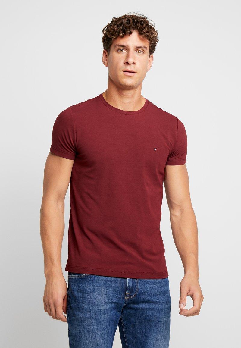 Tommy Hilfiger - STRETCH SLIM FIT TEE - T-Shirt print - red