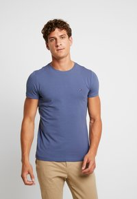 Tommy Hilfiger - SLIM FIT TEE - Camiseta básica - blue - 0