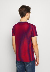 Tommy Hilfiger - STRETCH SLIM FIT TEE - T-shirt con stampa - red - 2