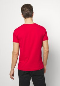 Tommy Hilfiger - LOGO TEE - Print T-shirt - red - 2