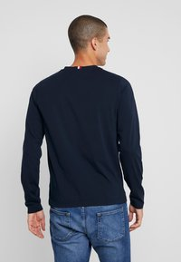 Tommy Hilfiger - LONG SLEEVE TEE - Långärmad tröja - blue - 2