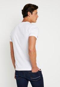 Tommy Hilfiger - TEE - T-shirt imprimé - white - 2