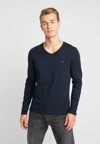 Tommy Hilfiger - STRETCH SLIM FIT VNECK TEE - Long sleeved top - blue - 0