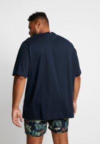 Tommy Hilfiger - BOX LOGO TEE - T-Shirt print - blue - 2